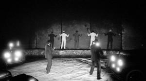DTizMusiK iekipa Vespucci Beach Boyz  znakomicie zrekonstruowała moment egzekucji podczas Masakry wDniu Świętego Walentego zlistopada 1924 roku.